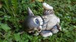 Zajíc ležící,keramická zahradní dekorace