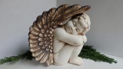 anděl zahradní,keramická dekorace